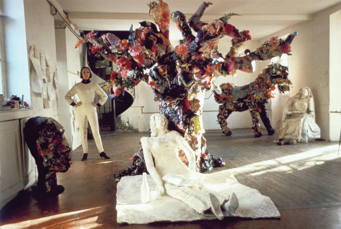 Niki de Saint Phalle in her studio at Soisy